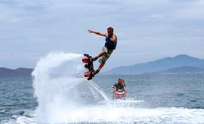 Flyboard cũng là một môn thể thao dưới nước được xếp vào danh sách nguy hiểm