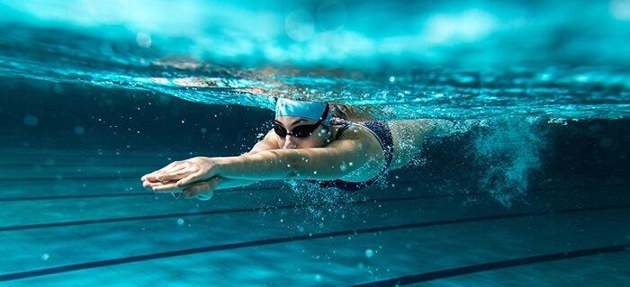 Bơi lội là môn thể thao giúp giảm mỡ bụng hiệu quả
