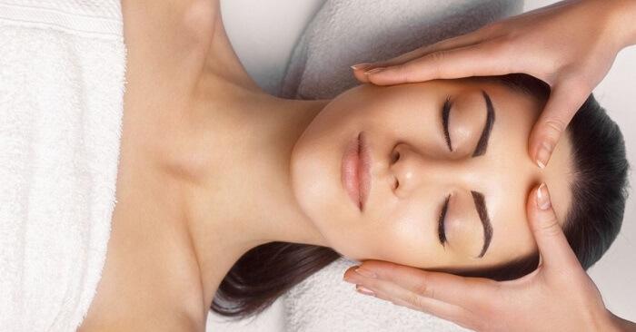 Massage giúp làm giảm mỡ mặt