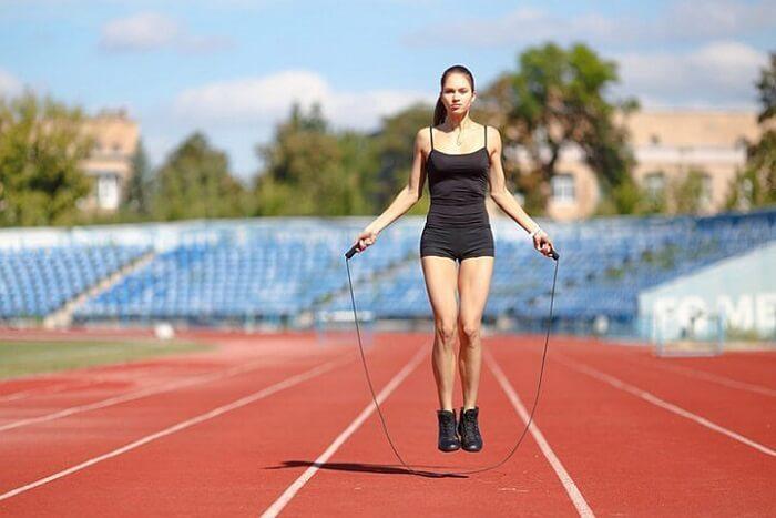 Nhảy dây là một trong những bộ môn giúp tăng chiều cao hiệu quả